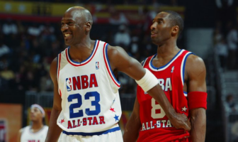 Michael Jordan et Kobe Bryant durant le All-Star Game