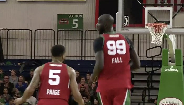 tacko fall et tremont waters avec les celtics