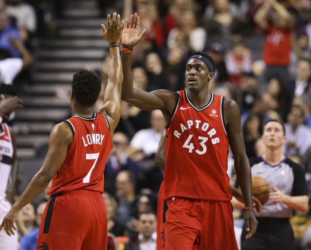 Kyle Lowry et Pascal Siakam lors du match opposant les Toronto Raptors aux Washington Wizards, le 13 février 2019