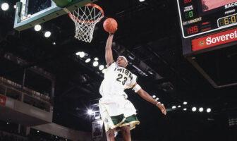 Les stats de tous les matchs de LeBron James en High School sont disponibles en ligne