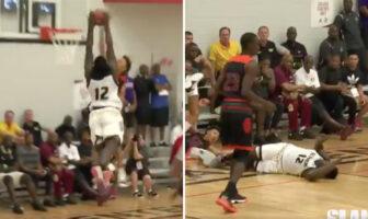 Zion Williamson contre à deux mains une tentative de dunk en contre-attaque