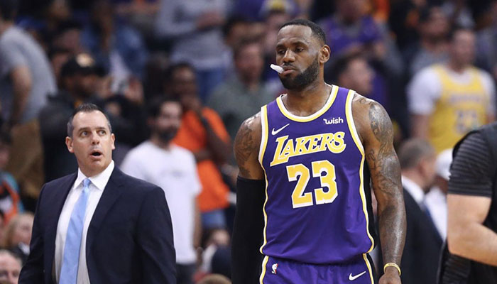 Frank Vogel surpris par LeBron James