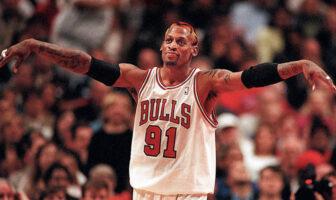 Dennis Rodman sous le maillot des Chicago Bulls