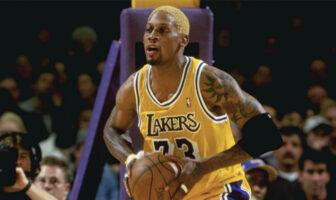 Dennis Rodman sous le maillot des Los Angeles Lakers