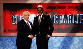 Kyrie Irving lors de la Draft NBA 2011