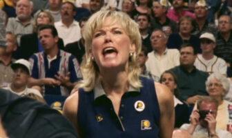 Kathy Martin Harrison s'explique sur son attitude lors des matchs des Pacers