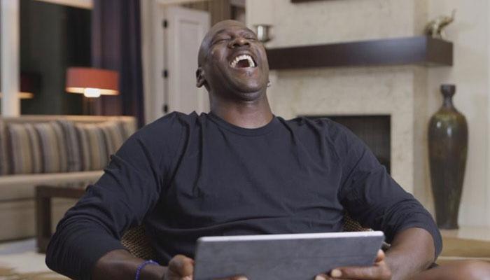 Michael Jordan se moque ouvertement de Gary Payton quand ce dernier annonce avoir trouvé la solution pour défendre sur lui