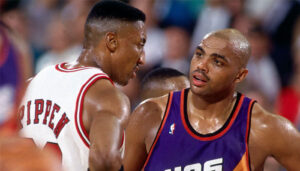 NBA – Charles Barkley tacle Scottie Pippen en dessous de la ceinture, Shaq hilare