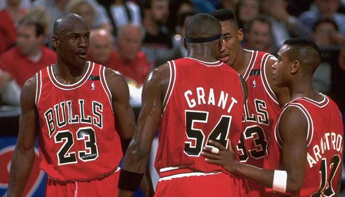 Michael Jordan, Horace Grant, Scottie Pippen et B.J. Armstrong sous le maillot des Chicago Bulls lors des Finales NBA 1992