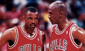 Craig Hodges et Michael Jordan sous le maillot des Chicago Bulls