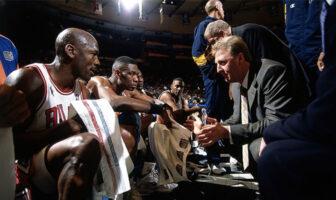Michael Jordan face à son coach Larry Bird lors du All-Star Game 1998