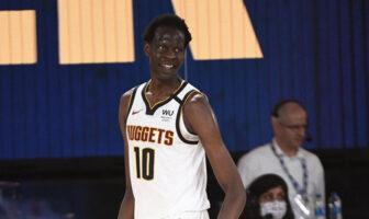 Bol Bol tout sourire pour son premier match NBA avec les Denver Nuggets