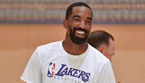 NBA – J.R Smith fait déjà n'importe quoi avec sa bague de champion