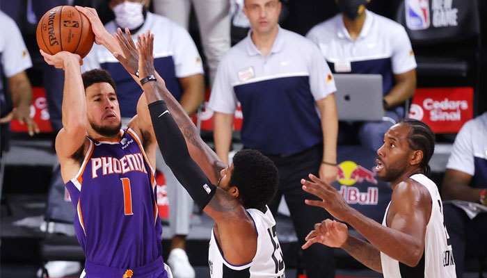 NBA Le buzzer-beater de Devin Booker sur Kawhi Leonard et Paul George