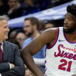 NBA – Un tacle de Joel Embiid… à son propre coach ?