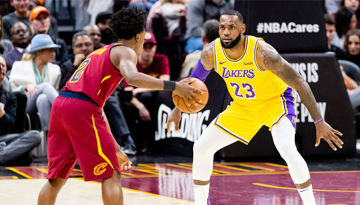 Collin Sexton contre LeBron James NBA
