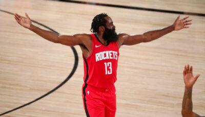 James Harden mécontent après un arbitre NBA