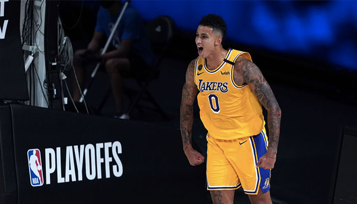 Kyle Kuzma célèbre l'un de ses tirs sous le maillot des Los Angeles Lakers lors des playoffs NBA 2020