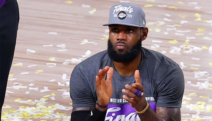 LeBron James célèbre le titre de champion de conférence Ouest des Lakers NBA