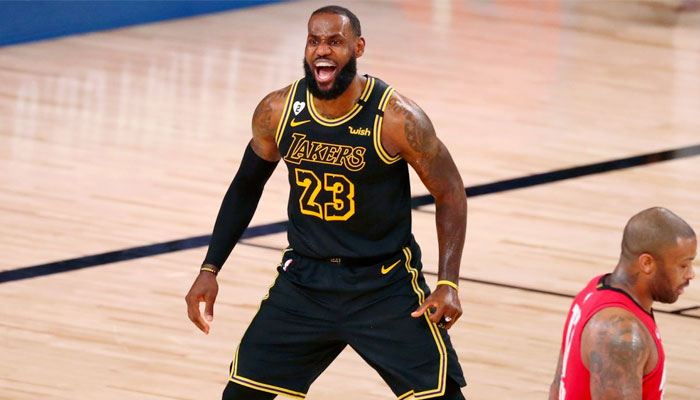 LeBron James célèbre contre les Rockets NBA