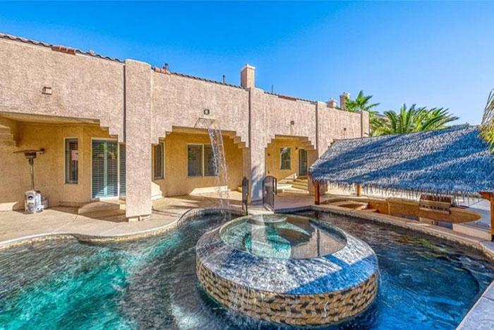 La piscine de la nouvelle maison de Shaquille O'Neal à Las Vegas