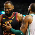 NBA – En pleine discussion avec KD, Kyrie tacle LeBron à la gorge !