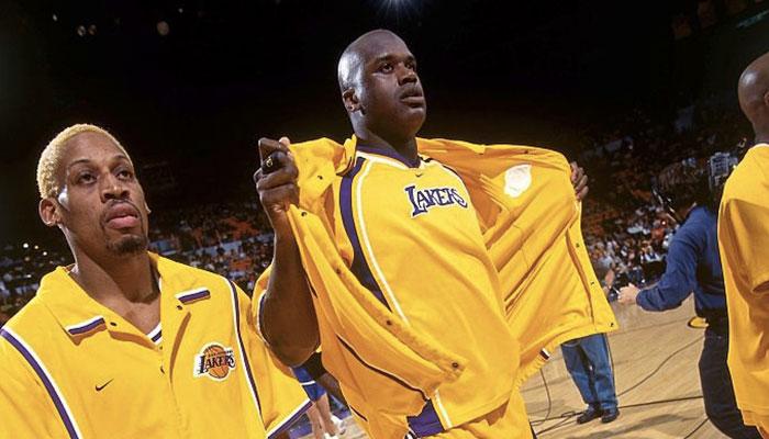 Dennis Rodman et Shaquille O'Neal sous les couleurs des Lakers lors de la saison NBA 1998-99