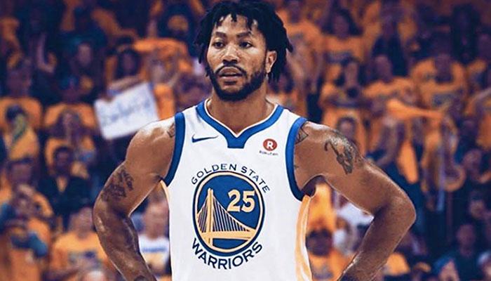 La star NBA Derrick Rose, joueur des Detroit Pistons, sous le maillot des Golden State Warriors