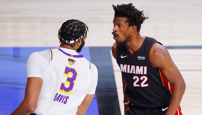Jimmy Butler aux côtés d'Anthony Davis NBA