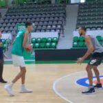 NBA – La pépite française Wembanyama, 16 ans et 2m18, se mesure à Gobert et fait un énorme buzz !