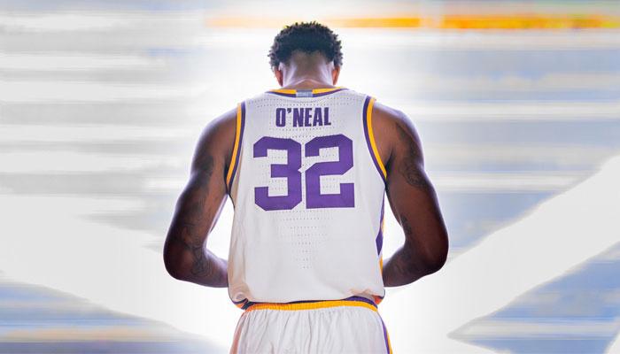Shareef O'Neal a fait ses grands débuts à LSU en NCAA