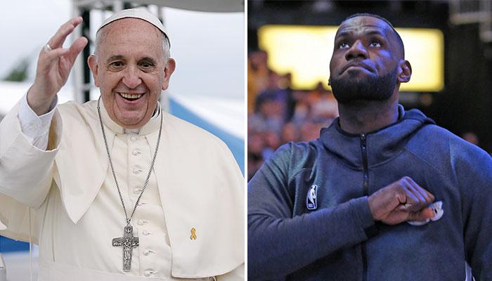 Le Pape François (ici à gauche), a demandé à plusieurs joueurs NBA, représentés ici par LeBron James (droite) de lui rendre visite pour évoquer plusieurs dossiers