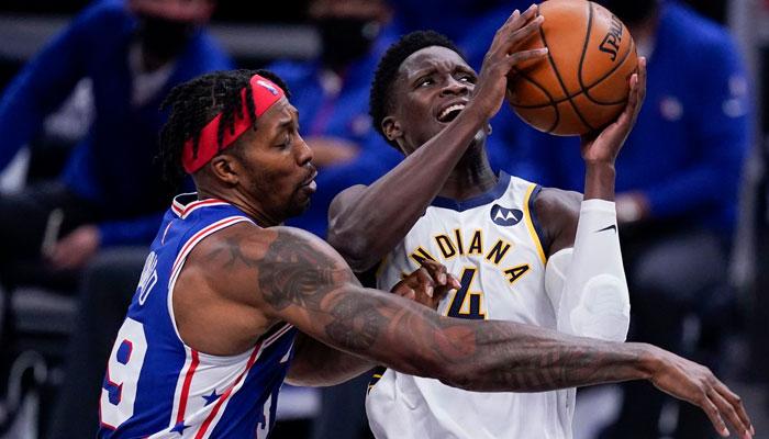 Dwight Howard va continuer mettre des coups pour faire gagner ses Sixers en NBA