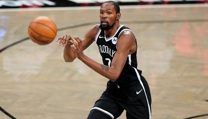 Kevin Durant sous le maillot des Nets pour la première fois en NBA