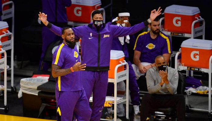 L'étonnant et inattendu 5 de départ utilisé par les Lakers NBA