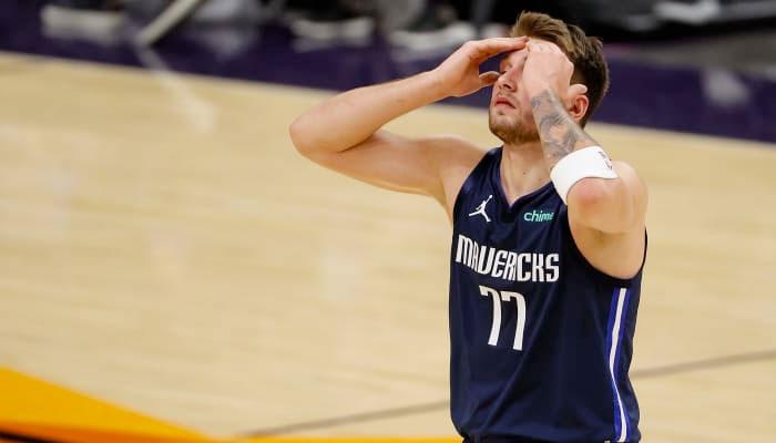 Dégouté, Luka Doncic n'en revient pas sur le banc des Mavs ! NBA