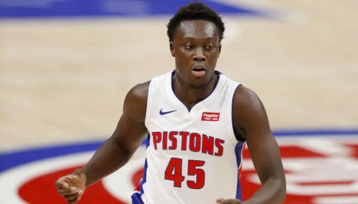 Sekou Doumbouya explose, du mieux pour Hayes ! NBA