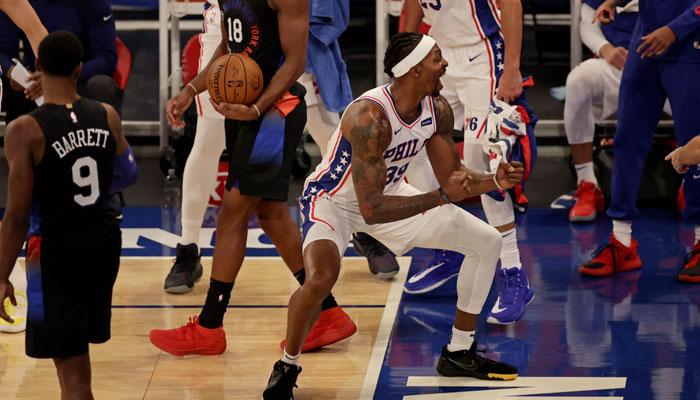 La géniale séquence entre Dwight Howard et ses coéquipiers NBA