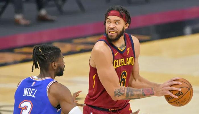 Les fans s'enflamment devant la séquence folle de JaVale McGee NBA