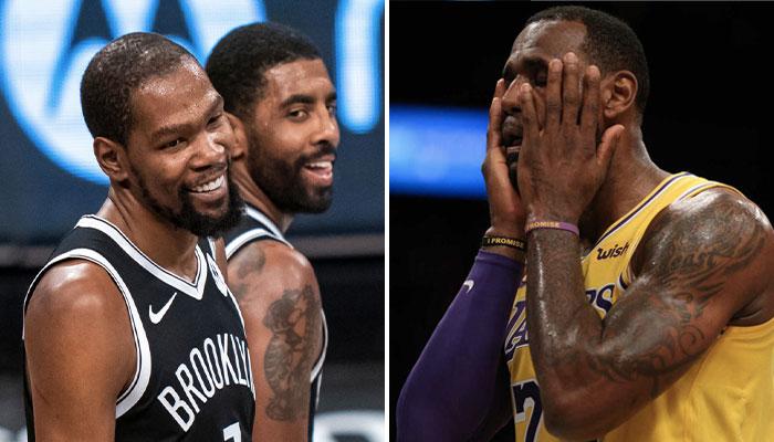 Les deux superstars NBA des Brooklyn Nets, Kevin Durant et Kyrie Irving (gauche), tout sourire, à l'inverse du leader des Los Angeles Lakers, LeBron James (droite)