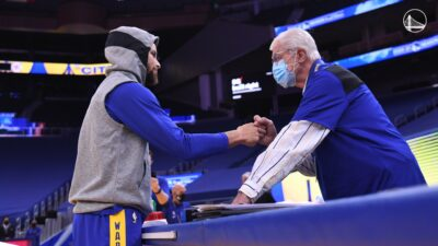 NBA – Le MVP des Warriors depuis 58 ans s'en va, le génial adieu de Curry et de l'équipe