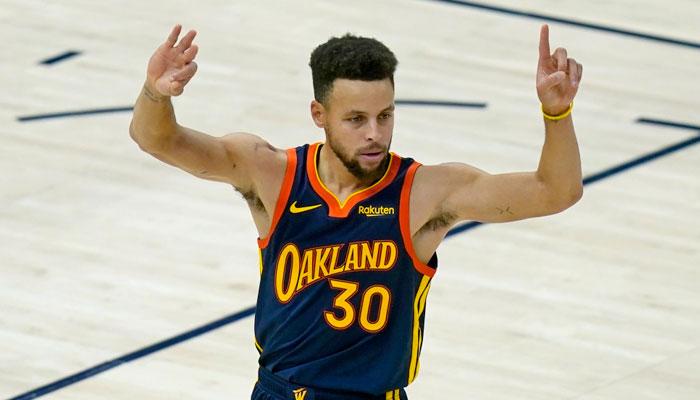 Le coup de chaud improbable de Steph Curry... en seulement 3 minutes ! NBA
