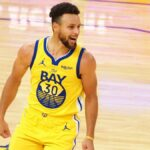 NBA – Steph Curry tape maintenant un record vieux de 55 ans !