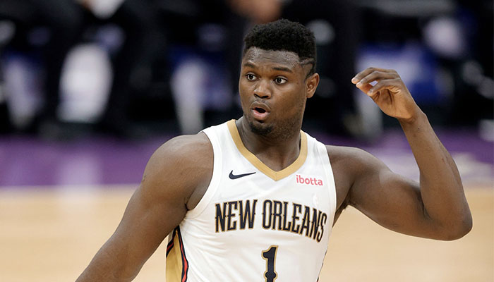 La jeune star des New Orleans Pelicans, Zion Williamson, surpris lors d'un match NBA face aux Sacramento Kings
