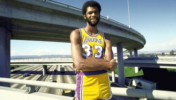Kareem Abdul-Jabbar, légende de Los Angeles avec les Lakers, et UCLA en NCAA