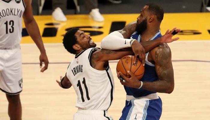 Kyrie Irving et LeBron James se sont accrochés lors du match Nets - Lakers en NBA