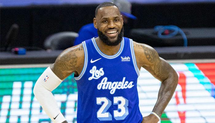 Dans un match fou, LeBron offre la victoire aux Lakers ! NBA