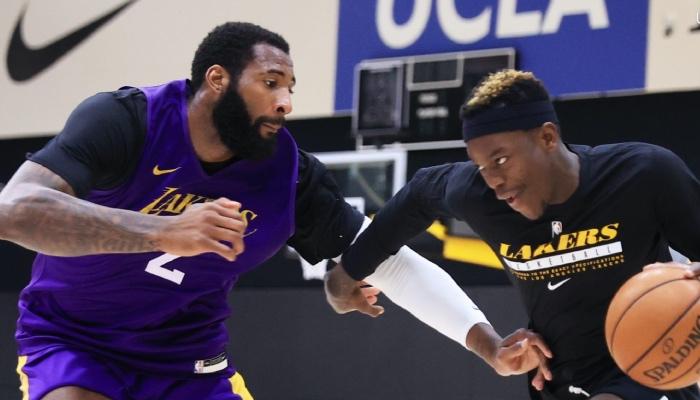 Le pivot NBA des Los Angeles Lakers, Andre Drummond, en duel avec Dennis Schröder lors d'une séance d'entrainement