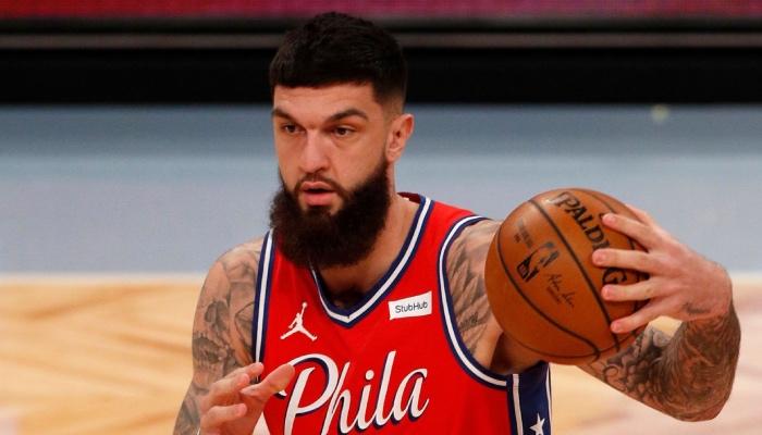 Le joueur français Vincent Poirier, ici sous les couleurs de la franchise NBA des Philadelphia 76ers
