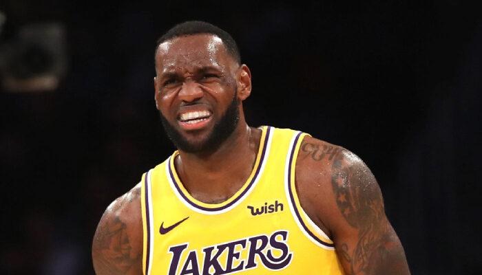 LeBron James se voit à nouveau critiqué par Skip Bayless.
